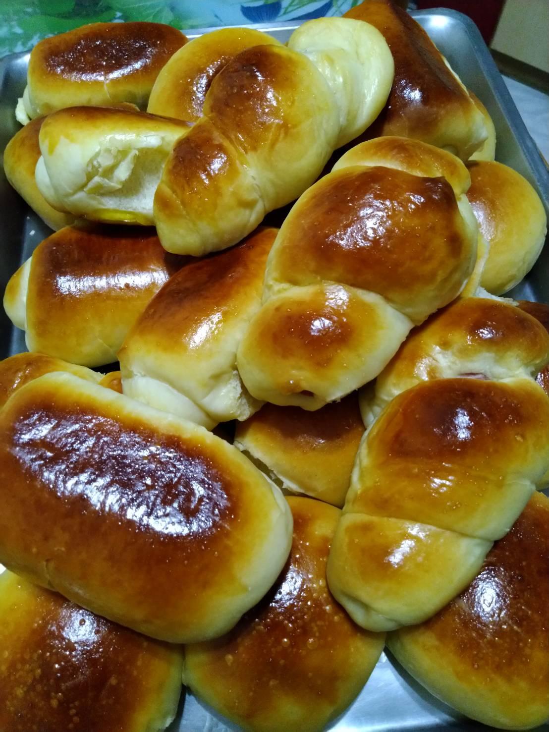 用媽媽的做粿態度,學習做麵包~(新年繪本,紅通通推薦)